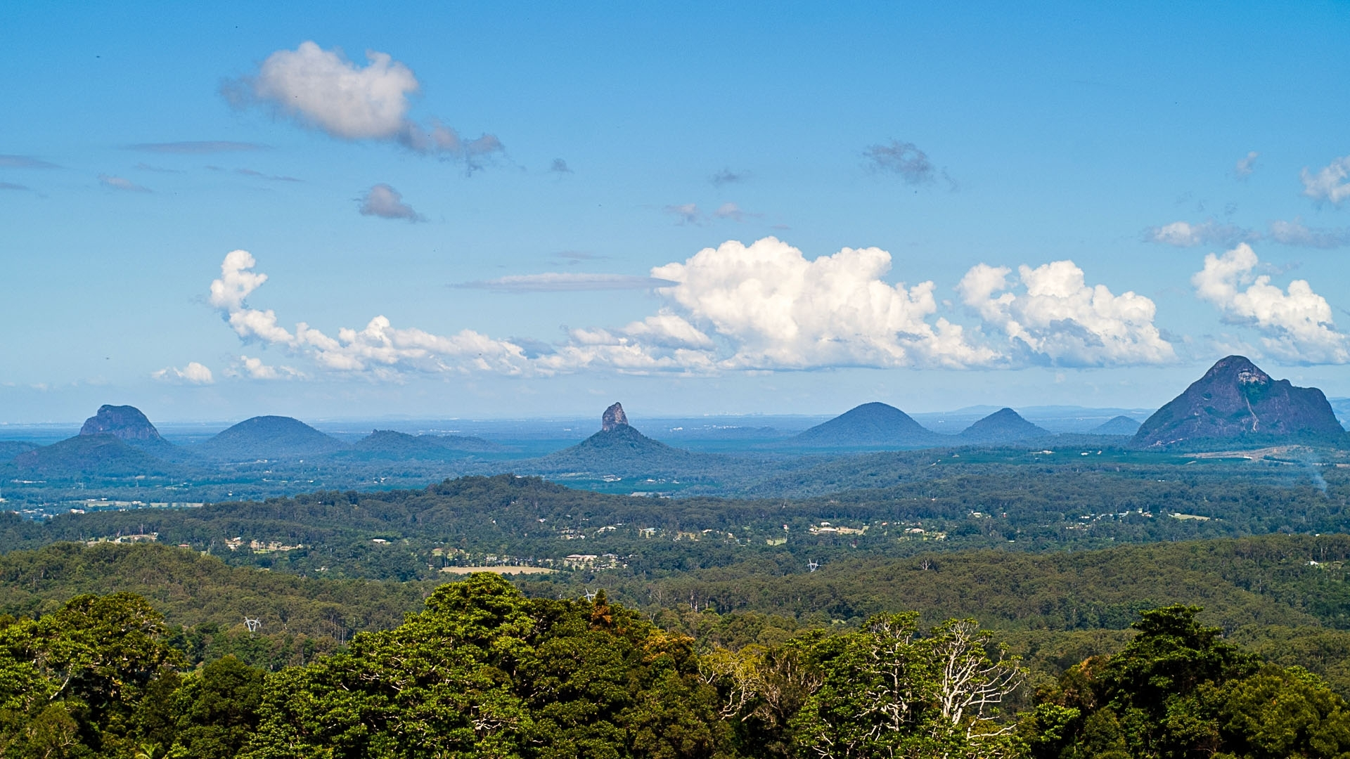 Glasshouse Mountains, Queensland AU